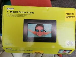 "7"" Digital Picture Frame By Technika"