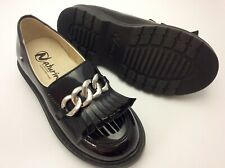 Naturino black girls patent leather kilted step in EURO 28 US 11 w chain