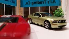 AutoArt SLOT Car 1:32 Ford MUSTANG GT 2005 Lime Green Lighting Lamps NEW 13051