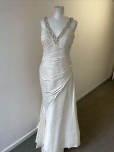 Pronovias Ivory Wedding Dress Silk Beaded Neckline Ruched Button Back Size 12 W9