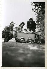 PHOTO ANCIENNE - VINTAGE SNAPSHOT - ENFANT BÉBÉ JOUET LANDAU DRÔLE MODE - CHILD