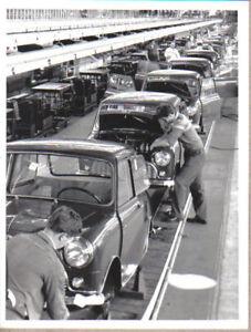 Austin Seven Mini Longbridge Factory Assembly Line original b/w Press Photograph