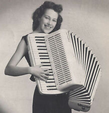 1940s? PHOTO MORRISTOWN NJ SMILING WOMAN PLAYING ACCORDION SQUEEZE BOX