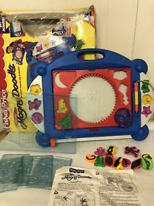 1998 Deluxe Magna Doodle Friends TV Show Magnetic Drawing Board Fisher Price Box