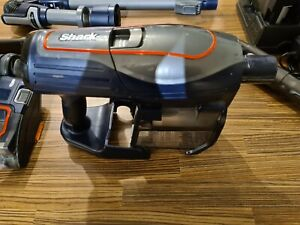 Shark IF250UK DuoClean Cordless Vacuum Cleaner - 2 batteries and accessories
