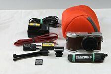 Samsung NX 300M in braun,  guter Zustand , viele Extras
