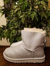 UGG WOMEN'S MINI BAILEY BOW SPARKLE BOOTS SIZE 6 SILVER GLITTER 1100053