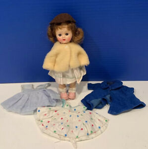 Cosmopolitan Ginger Straight Leg Doll + Extra Outfits