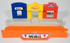 GEOTRAX TIMBERTOWN TRAIN STATION RAILWAY DEPOT ORANGE TRACK FISHER PRICE