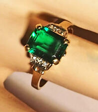 14 kt Ring Faux Emerald w/ 4 diamonds Ladies Ring size 7.5 -