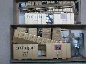 "K&D SALE* BURLINGTON-CB&Q 40' ""Gold"" Single Door Box Car KITS  *Limited Run"