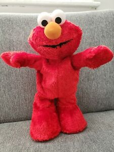 Fisher Price Hokey Pokey Elmo Sings 2002 Mattel Collectible Item