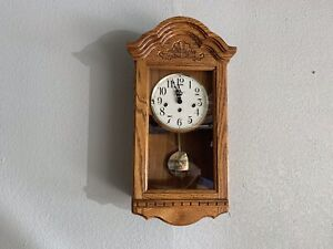 Howard Miller Wall Clock with/Key Chimes Clock Works Extremely Well 620-134