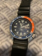 SEIKO 150m DIVERS DAY/DATE MENS WATCH 7548-700F (SN 180239) Blue Red Excellent!