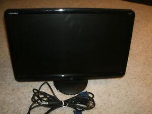 """Compaq WJ674 Color Monitor - 20"""" - Very Good Condition !!"""