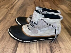 SOREL Out N About Women Cream Camouflage Ankle Duck Boots Size 7