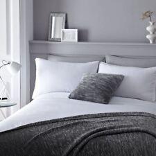 Sábanas y fundas de cama color principal blanco de algodón y poliéster
