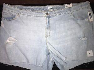 NEW! Women's Old Navy Size 26W Boyfriend Distressed Denim Shorts Light Wash