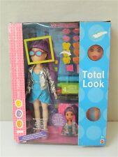 Bambola TOTAL LOOK Cambia il look con timbrini e pennarelli lavabili MATTEL V53