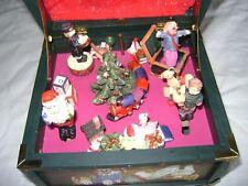 Boîte à musique ancienne avec figurines animées . dans sa boite d'origine .