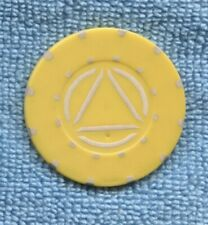 Circle Triangle Casino ?? yellow Chip in the world ???   P-794