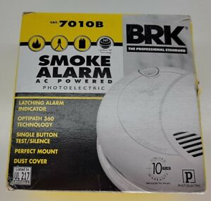 BRK 7010B AC Wired Smoke Alarm With Photoelectric Sensor Battery Backup UL217