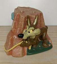 1996 Vintage Warner Bros Looney Tunes Wile E Coyote Road Runner Rope Coin Bank