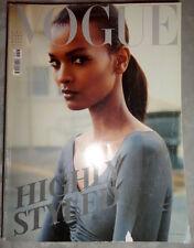 Vogue Italia 2/2010 Milla Jovovich Laetitia Casta Elisabeth Taylor Yasmin Le Bon