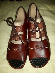 NEW Reiker Soft Leather Sandals Size 7 (41)