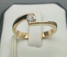 Unbehandelte gut geschliffene Ringe aus Gelbgold mit Diamanten