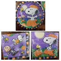 NEW HALLMARK Halloween SNOOPY Peanuts Napkins & Dessert Plates GREAT PUMPKIN