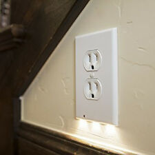 Light Sensor Outlet Cover with LED Night Light Wall-mount Safe Outlet Coverplate