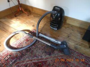 FAULTY Miele Complete C3  Powerline Vacuum Cleaner