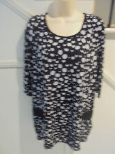 FANNY LAM SIZE 14 BLACK WHITE FUNKY LONGER LENGTH TOP 'PERFECT' LOWER POCKETS