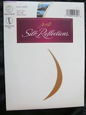 Hanes Silk Reflections Pantyhose Navy Blue Size AB Sheer 716 Reinforced Toe