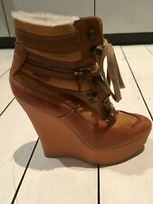 NEW Burberry winter leather ankle boots with shearling lining inside