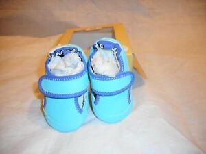 N/W/B Robeez Blue Mini Shoes U.S SIZE 3  6 TO 9 MONTHS.