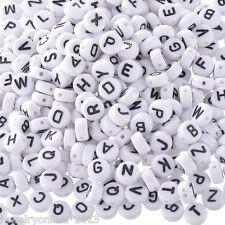 520 Mix Weiß Buchstaben A-Z Rund Acrylperlen Beads Flach zum Basteln 7mm
