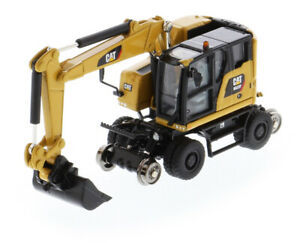 1:87 scale Cat M323F Railroad Wheeled Excavator - 3 Attachments (CAT Yellow)