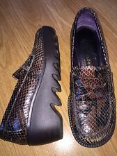 "DONALD J PLINER 5 M Brown Reptile Print High Wedge Penny Loafers ""SHIRE"" EUC"