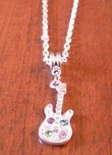 collier chaine argenté 47 cm avec pendentif guitare strass