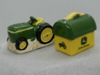 "JOHN DEERE SALT AND PEPPER SHAKERS TRACTOR 1998 2.5"" - 3"""