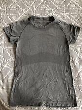 Womens Lululemon Run Swiftly Gray Tech Shirt, Size 8