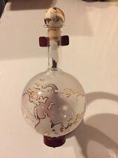 Bottiglia Di Liquore Vuota Forma Mappamondo Con Piedistallo In Legno