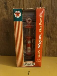 Texaco Diecast 1920's Wayne Gas Pump By Gearbox 1:25 New in the box detailed
