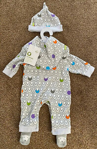 Herdy Outfit For 0-3 Months includes Hat, Baby Grow, and Bib (unused).