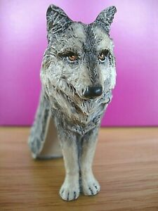 Just The Right Shoe - Lone Wolf, one of four in the Raine Forest series
