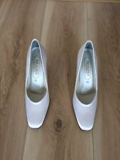 Stunning Ladies Satin Court Shoes Size UK 6 - Winter White - 3 Inch Heels