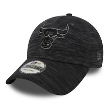 NEW ERA CHICAGO BULLS ENGINEERED FIT 9FORTY. BLACK/GRAPHITE