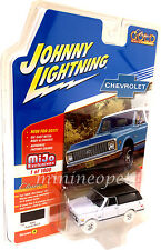 JOHNNY LIGHTNING JLCP7000 1969 CHEVROLET BLAZER with TOW HITCH 1/64 CHASE A